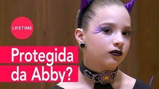 Abby Lee não disfarça e protege Kendall na cara dura! | DANCE MOMS | LIFETIME