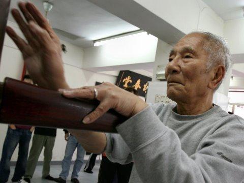 Ip Chun (葉準), 84yo wing chun legend
