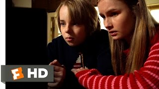 The Visit (6/10) Movie CLIP - Those Aren't Your Grandparents (2015) HD
