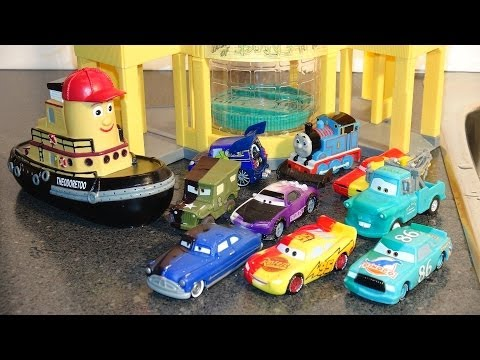 Pixar Cars OMG the Cool Color Changers at Ramones House of Body Art with Lightning McQueen and more