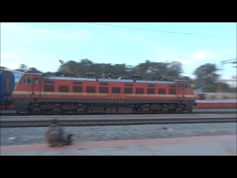 Sbc - Kochuveli Express Wap-4 Speeds Through Bypl (16315) video