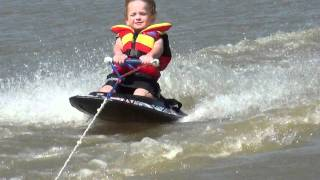 4 yr old doing tricks on the kneeboard