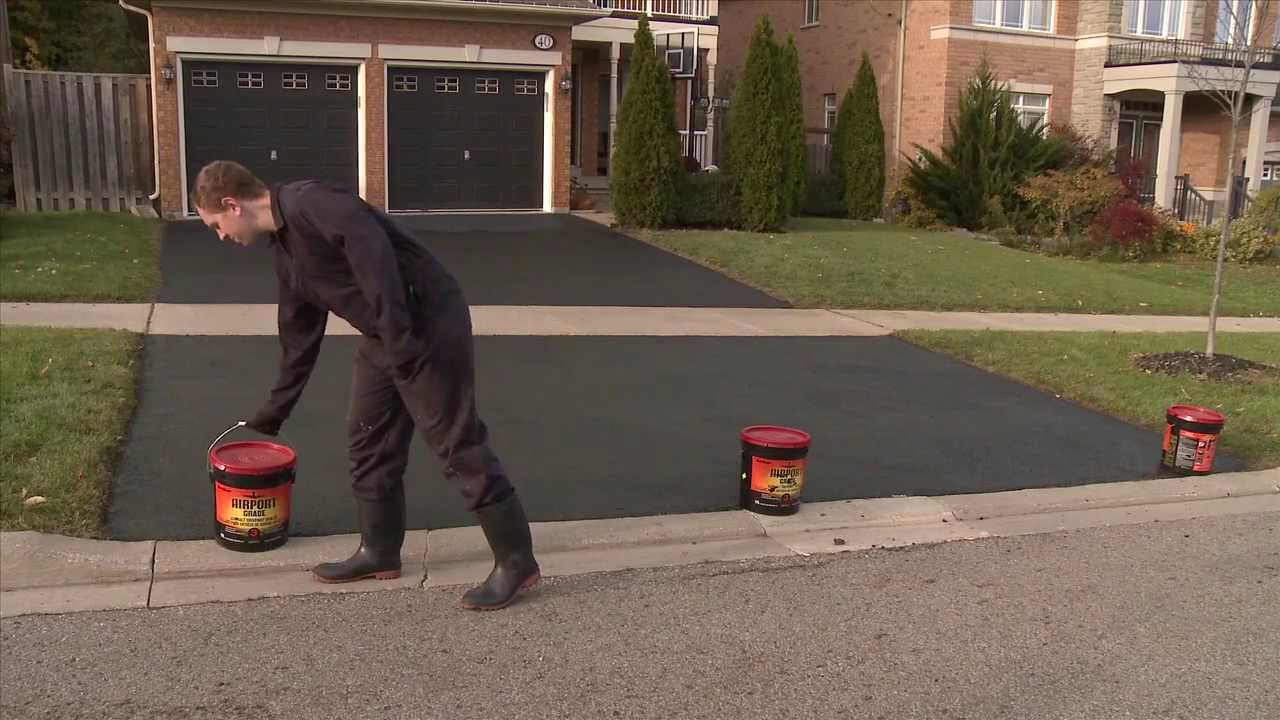How To Apply Driveway Sealer Youtube