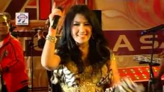 Ine Sinthya Jam 5 Official Music Video