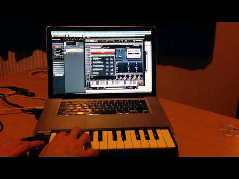 Akai LPK25 Making a Beat and Review