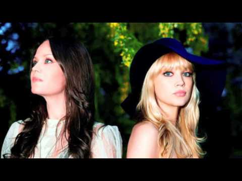 The Pierces - Space Song (lyrics)