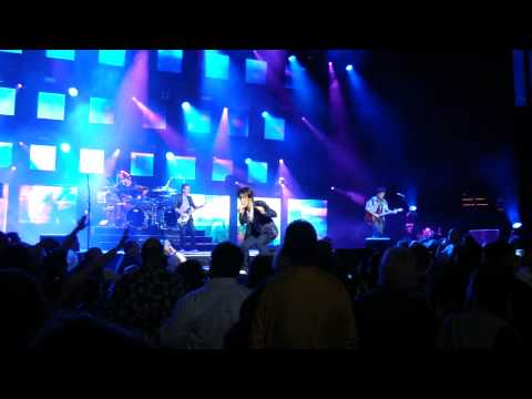 JOURNEY LIVE 2011: SEND HER MY LOVE + NEAL SCHON SOLO + STONE IN LOVE (St. Paul, MN- 7/28/11)
