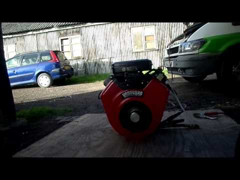 BRIGGS & STRATTON 18 HP V TWIN PETROL ENGINE