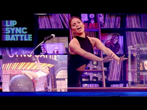 Chrissy Teigen Reacts to Anne Hathaway on Lip Sync Battle