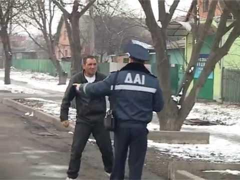 Пьяный Водитель Врезался в Блокпост.