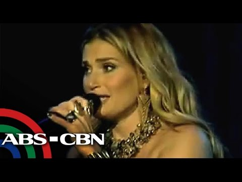 Idina Menzel, inawit ang Pinoy version ng 'Let It Go'