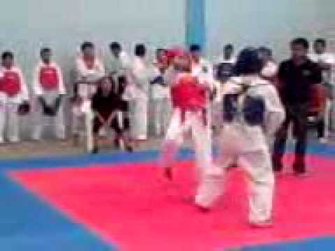 Combates 4 Torneo Universitario.mp4 video