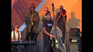 """Miles Mosley """"Young Lion"""" Live"""