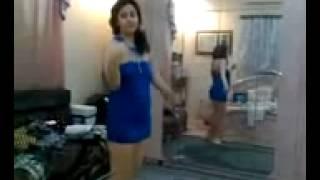 رقص منزلي خاص بالأزرق ال