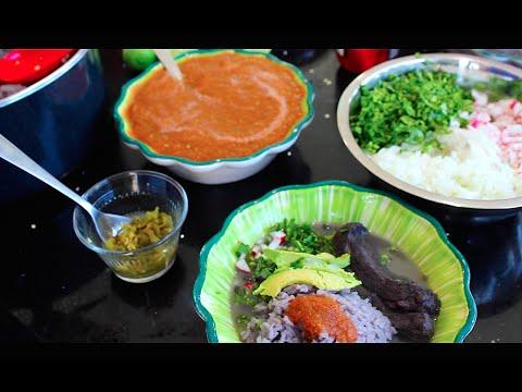 Delicioso frijol con puerco comida mexicana