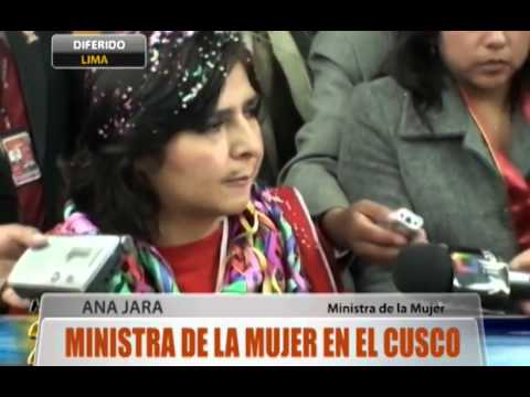 Ministra de la Mujer en el Cusco