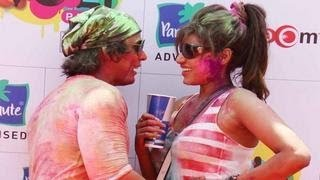 Bollywood celebs get DIRTY at Holi Party