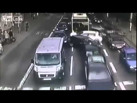 When the bus driver falls asleep ..the other cars became dominos @ LiveLeak 2015 channel