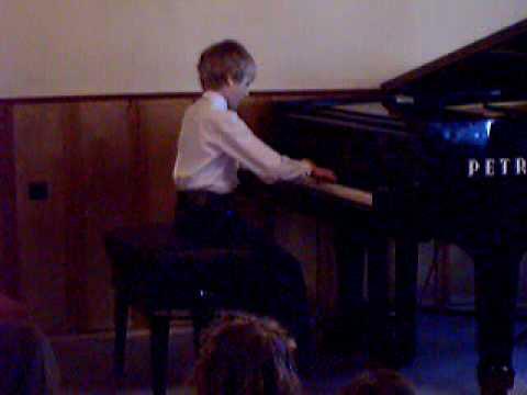 Szkoła Muzyczna  I Rok Nauki Gra Konrad