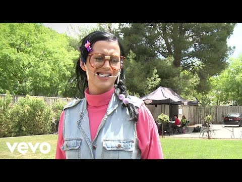 Katy Perry - Nobody Likes Kathy Beth Terry On Facebook