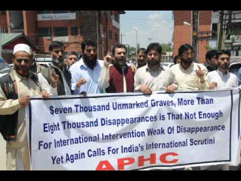 Hurriyat leaders staged peaceful demonstration at Press Enclace Lal Chowk