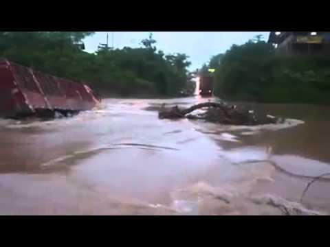 Inondation à Douala, ville du Cameroun.