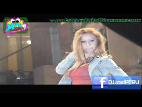Delly Madrid ♥ en mini falda de infarto (v) Fashion Tour 2011 thumbnail