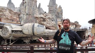 Star Wars Galaxy's Edge Opening Day at Disneyland - Countdown Celebration & Crowds / First Group In