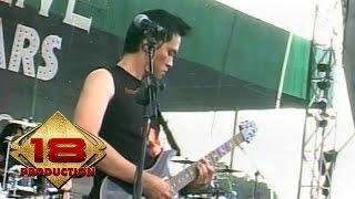 Andra And The Backbone - Ditelan Bumi  (Live Konser Kotabumi 20 Maret 2008)