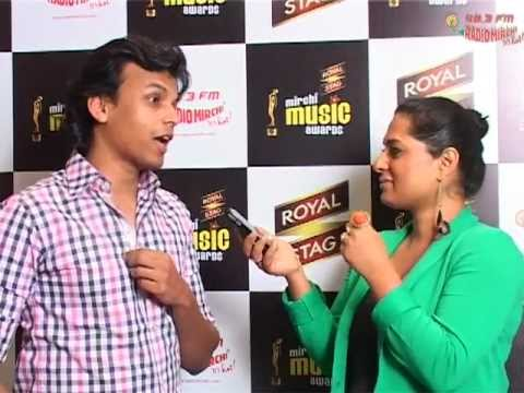 Abhijeet Sawant singing LIVE at the Mirchi Music Awards Screening...
