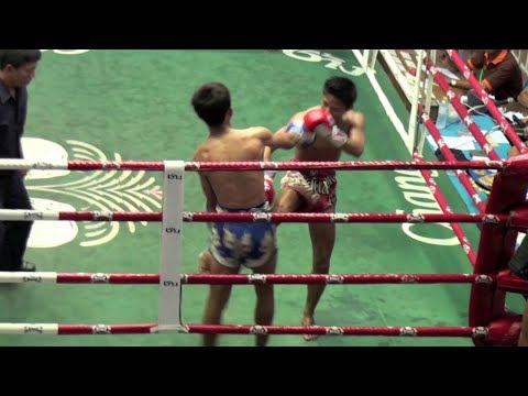 KO via leg kicks: Hongthong Tiger Muay Thai vs Tanapol Kaewphitak Muay Thai 20/12/2013 Image 1