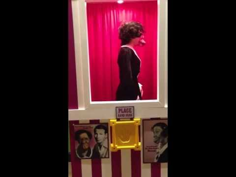 Sexiest Kissing Booth EVER!!