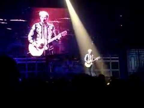 Van Halen Ice Cream Man Milwaukee Bradley Center 4/28/08 Video