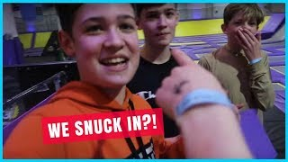 EXTREME OVERNIGHT CHALLENGE AT TRAMPOLINE PARK (WE GOT CAUGHT) Feat. Amelia Gething And Houssein