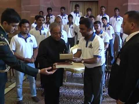 President meets Under 16 Bengal Cricket Team - 17-01-13