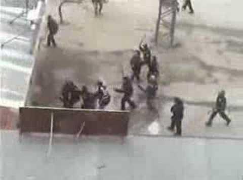 Paris Hilton and Turkish police und der türkischen Polizei