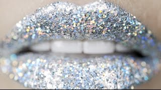3D Silver (Holographic) Glitter Lips Makeup Tutorial