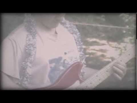 "Official video for Speedy Ortiz's ""No Below,"" off their debut full-length Major Arcana. Buy the album: http://smarturl.it/MajorArcana-iTunes http://smarturl...."