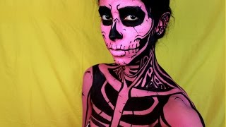Easy Halloween Makeup: Pop Art Skull