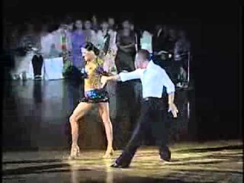 "Латиноамериканский танец ""Ча-ча-ча"".flv"