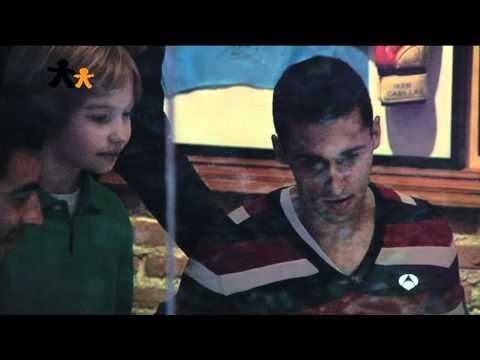 Gala Inocente Inocente - ANTENA 3. Broma a Álvaro Arbeloa y Raúl Albiol.