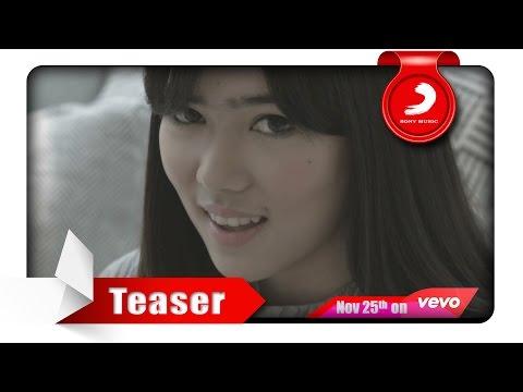 download lagu Isyana Sarasvati - Kau Adalah Feat. Rayi Putra Teaser 30 gratis