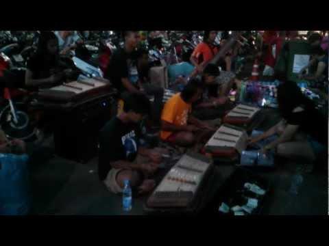 Hotel California in Thailand Chatuchak weekend market (part2).mp4
