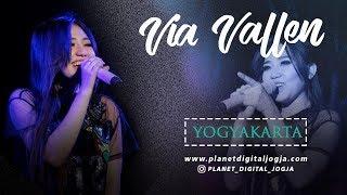YOGYAKARTA - KLA PROJECT FULL HD Cover By VIA VALLEN LIVE PERFORM ON SERIBU BATU MANGUNAN