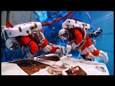 NASA Asteroid Hunters Prep for Mission Underwater