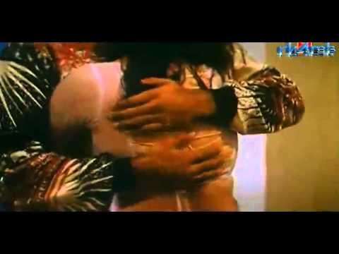 Mallu Actress Hot Wet Scene With Her Boyfriend   B Grade Hot Masala Scene video