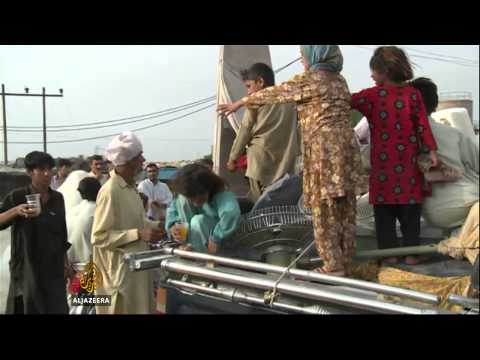 Tens of thousands flee Pakistan offensive