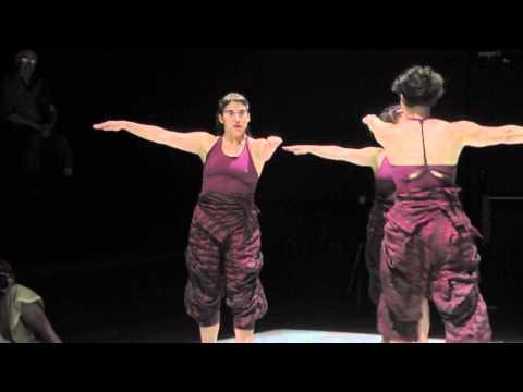 Imágenes obra coreográfica Especie Sola de Carmen Beuchat