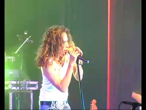 AMY SEARCH - Isi Atau Kulit (Live In Singapore)