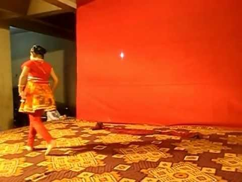 Dance by Ananya on bawra mann dekhne chala ek spana.mp4